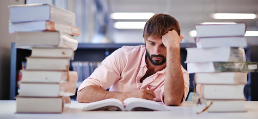 Czy warto zarywać noce przed egzaminem?