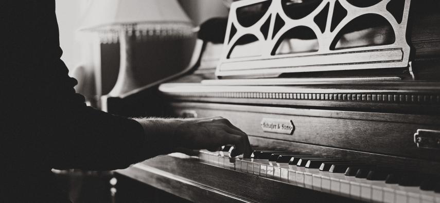 Boisz się choroby Alzheimera? Zacznij grać na instrumencie!